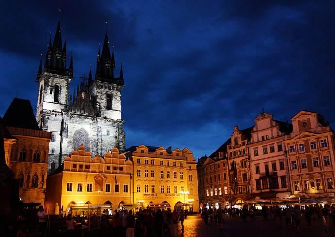 图4:布拉格广场.jpg