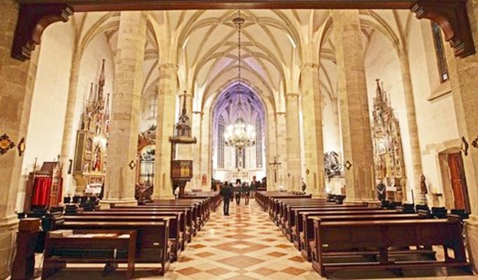图21:圣马丁大教堂.jpg